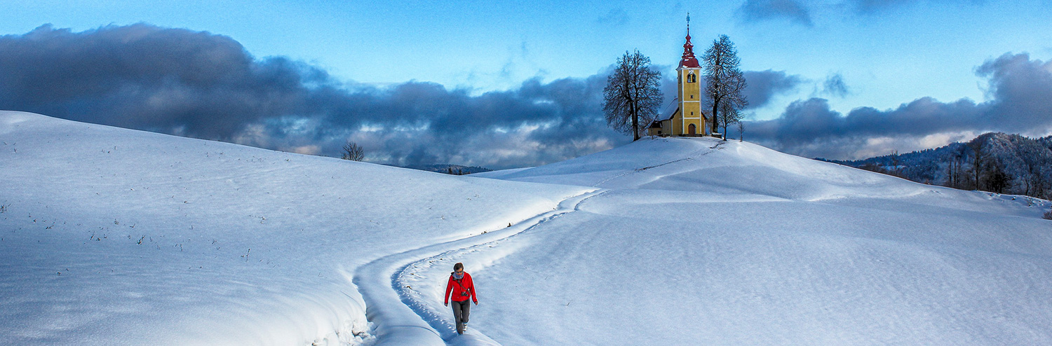 Landscape-Snow-Walker-Church